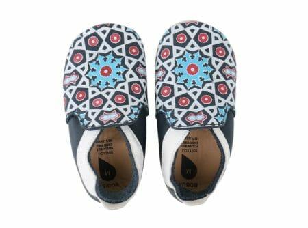Pirmās kurpītes ar Marokas rakstiem