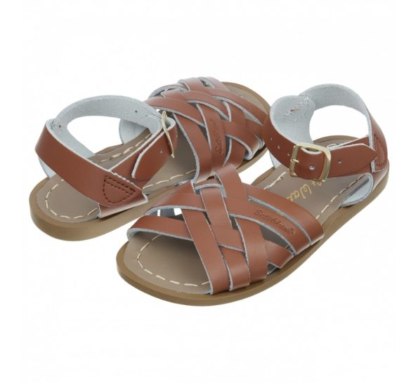 retro_tan_small_kids_sandals_with_lattice_weave_front_01_1
