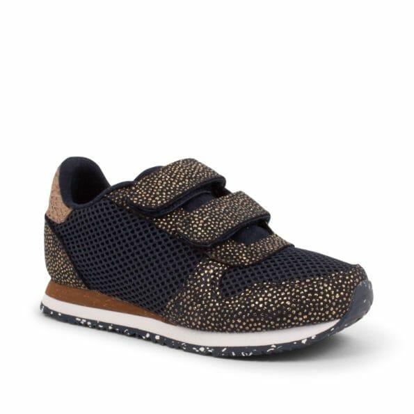 Sandra_Pearl_Mesh-Sneakers-WK8222-010_Navy-1_1400x1400